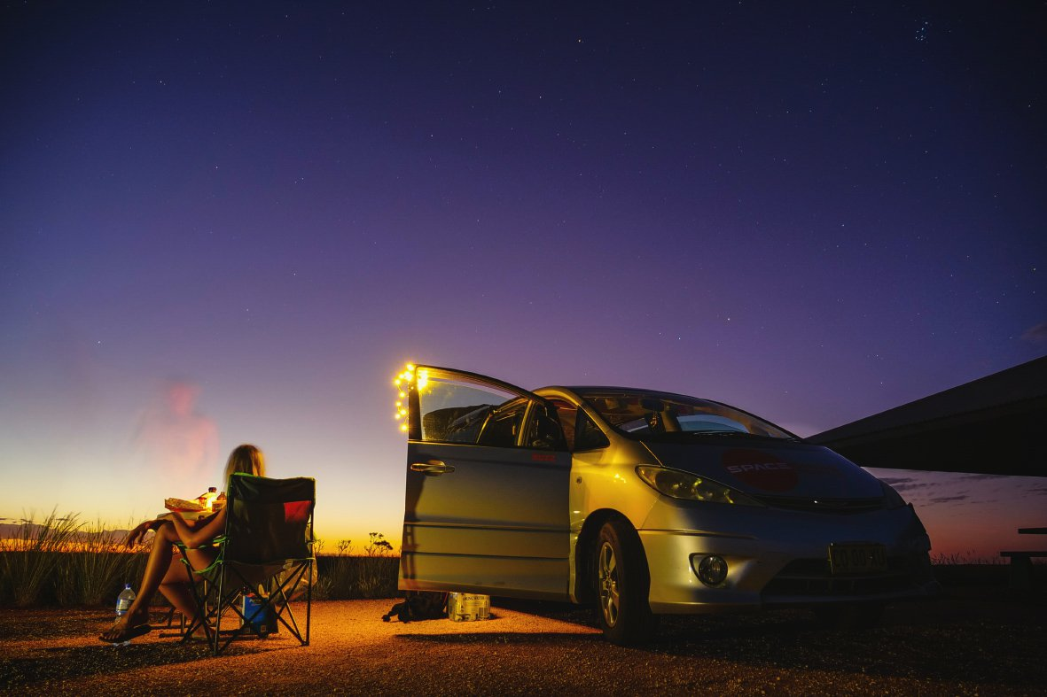 Met de auto kamperen tijdens een reis door Australië.