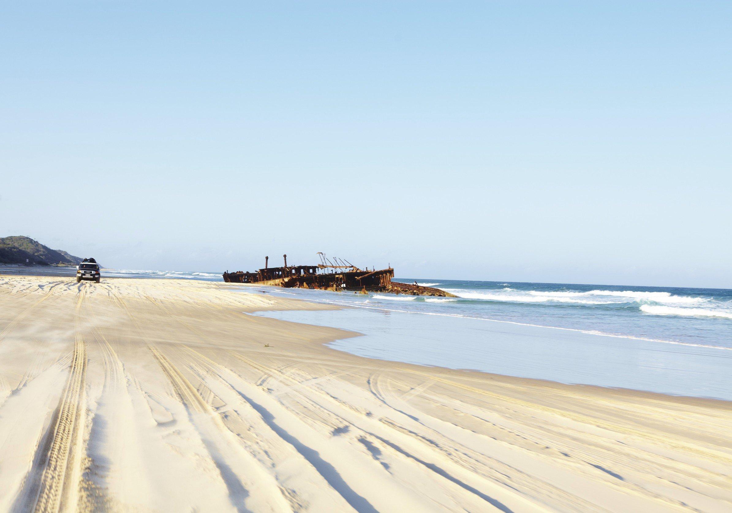 scheepswrak op strand