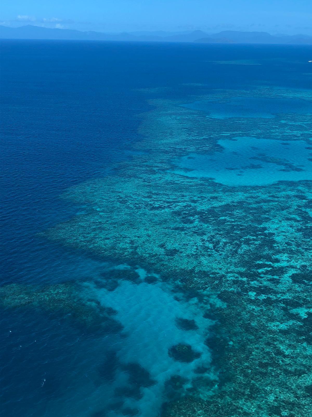 great barrier reef uitzicht vanuit helikopter